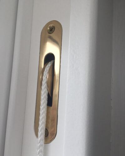 sash+pulley+close-up